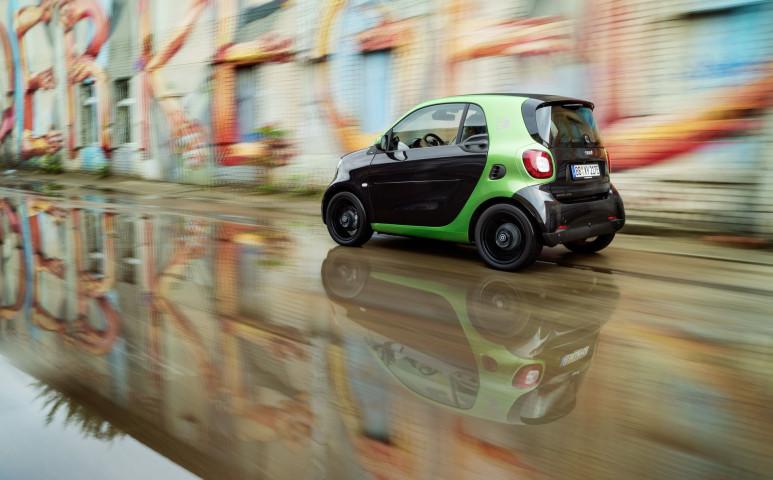 Nem hasít annyi elektromos autó, mint szeretnénk…