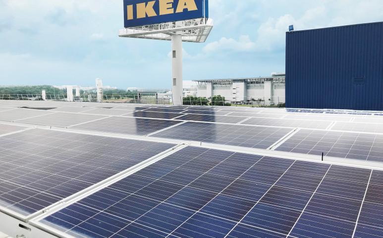 Megfelezi a napelemei árát az IKEA