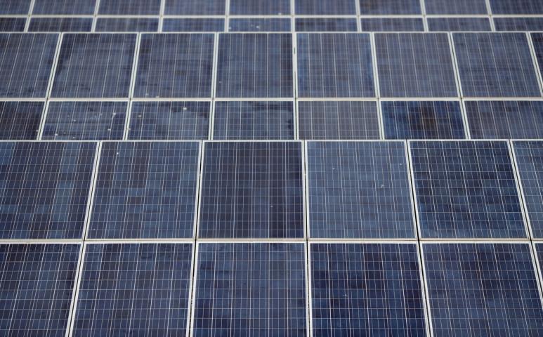 Új típusú naperőmű termel a Brit szigeteken