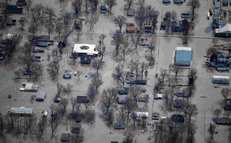 Brutális áradásokkal küzd az USA