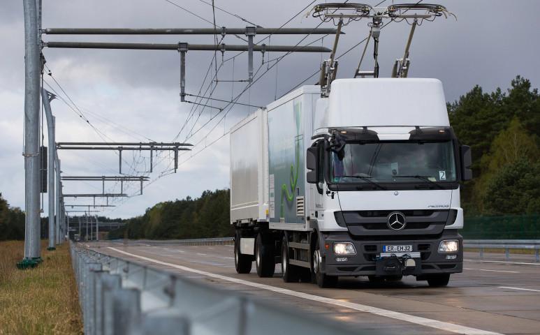Villamos-szerű kamionok lesznek a Német autópályákon?