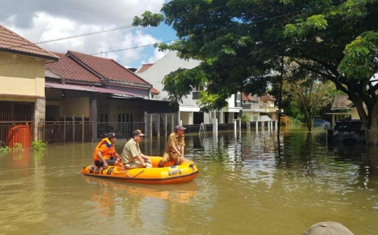 Erőteljes áradás Indonéziában