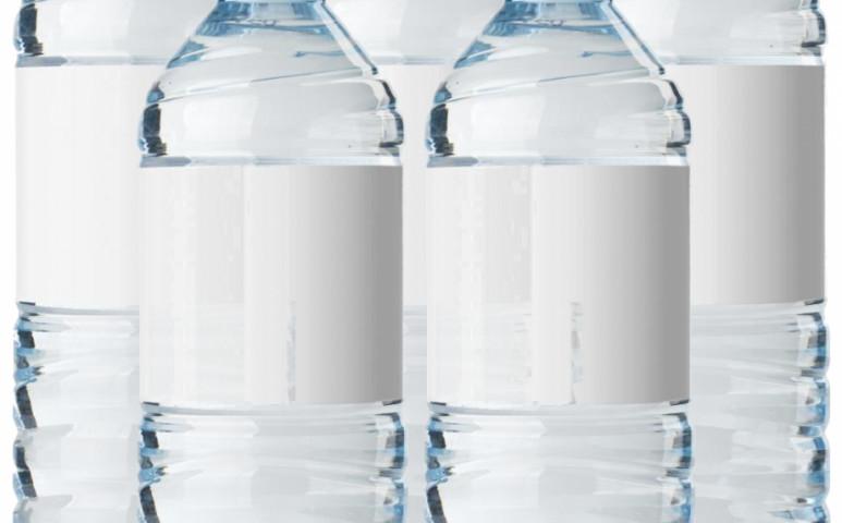 Nem biztos, hogy annyi palackos vizet kellene inni...