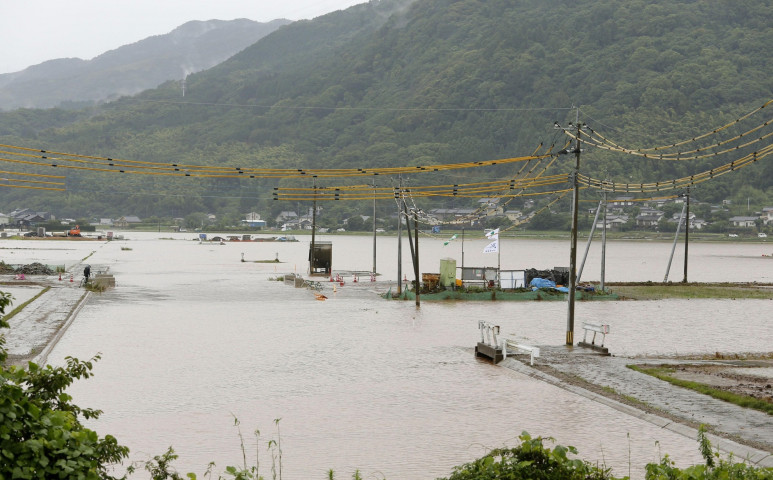 Japánban rekord mennyiségű, 440 mm eső esett