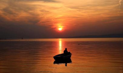 Magányos csónak