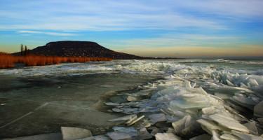 A jeges Balaton-part