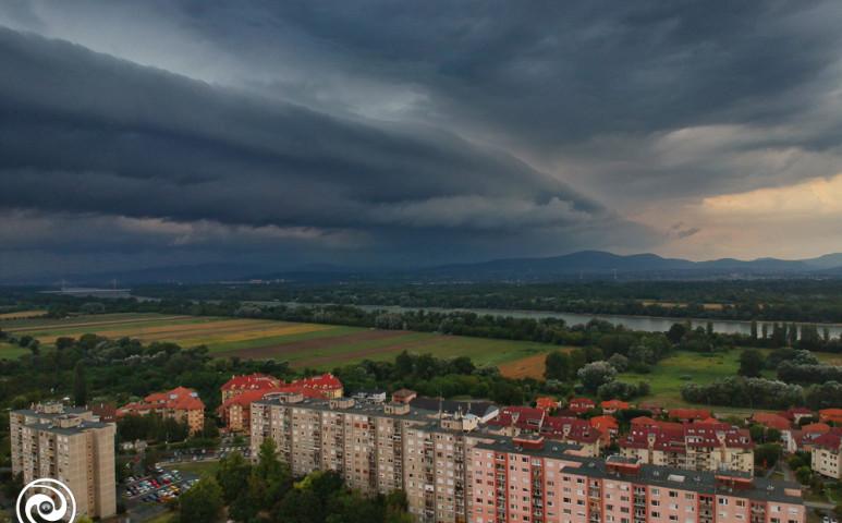 Nyugat felől esők