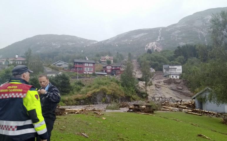 Mintha a hegyről letéptek volna egy ragtapaszt- durva földcsuszamlás Norvégiában