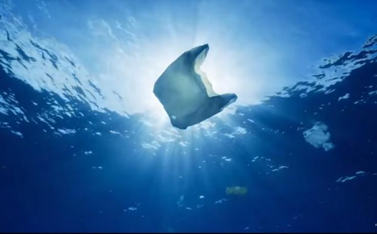 Megoldást lehet a gondokra a hamis műanyag?