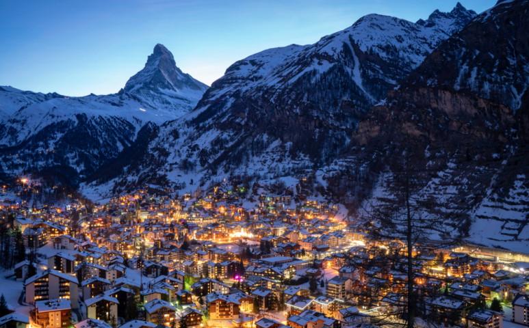 Nem újrahasznosítható műanyagból készül út Svájcban