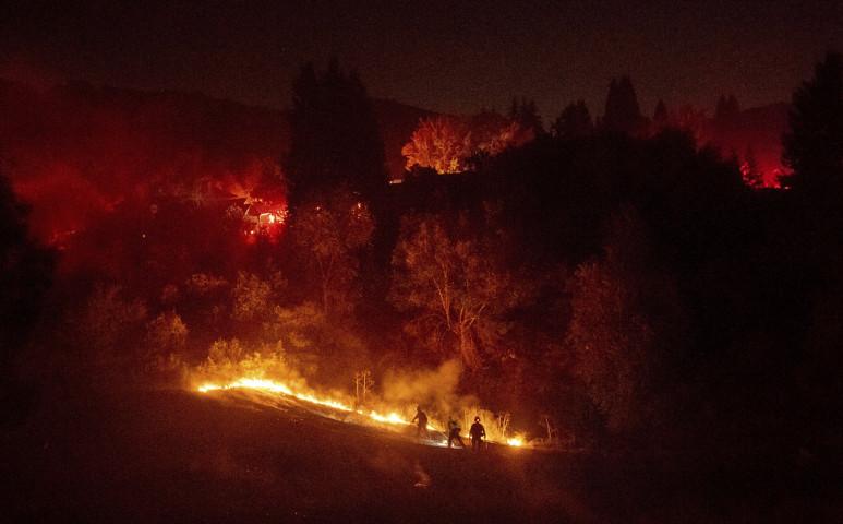 Futótűz pusztít Kaliforniában