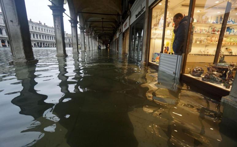 Velence több, mint 85%-kát elöntötte a tenger