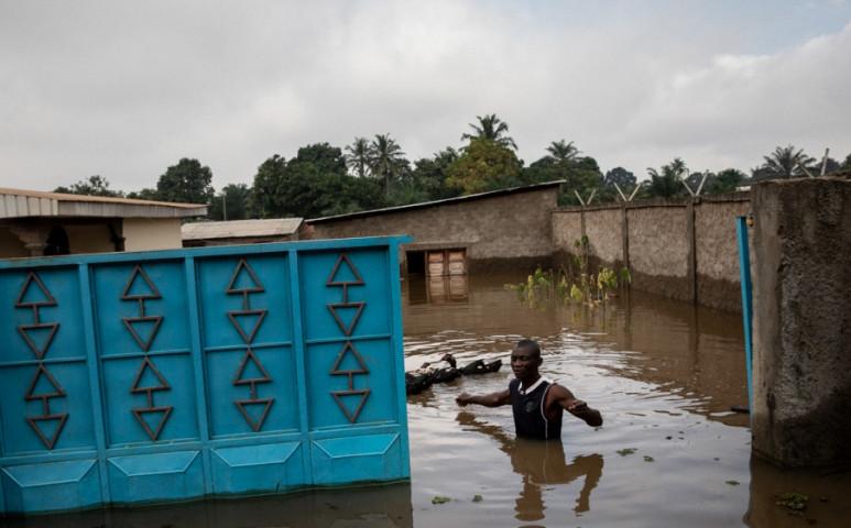 A világ legszegényebb országait sem kíméli az áradó víz