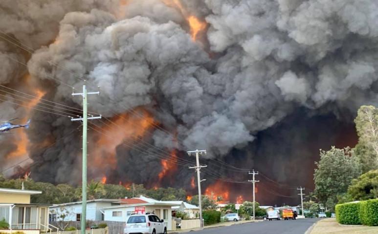 A tűz mellé 46°C-os meleget is kap Ausztrália