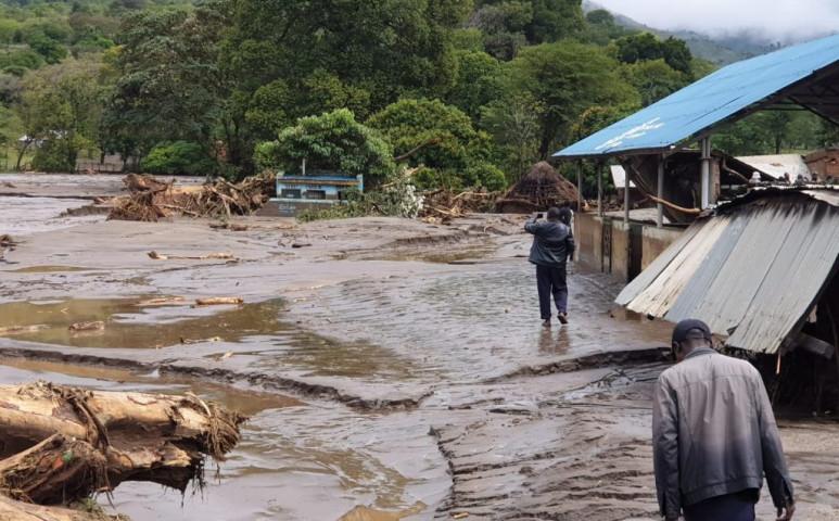 Már 34 halálos áldozata van a kenyai földcsuszamlásoknak