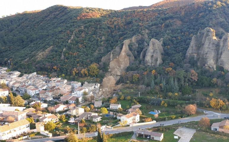 Ráomlott a fél hegy a településre