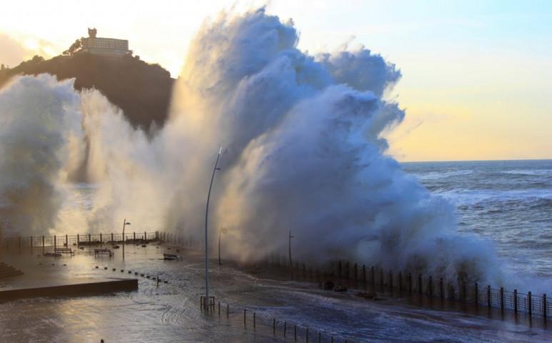 Durva hóvihar hurrikán erejű széllel a spanyoloknál