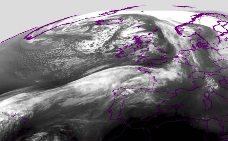 Gigantikus ciklon közeledik Európához