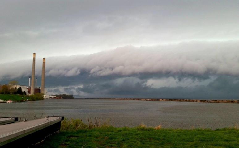 Orkán erejű széllel érkezett meg a hidegfront Magyarországra