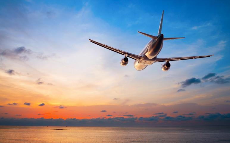 Csak a repülők 2%-nak kellene változtatni, hogy 60%-kal csökkenjen a kibocsátása a légi közlekedésnek!