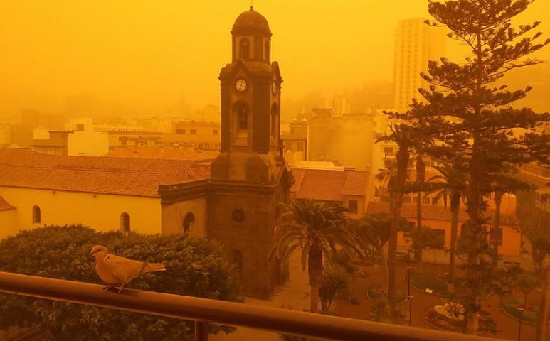Calima sárga ködbe burkolja a Kanári-szigeteket