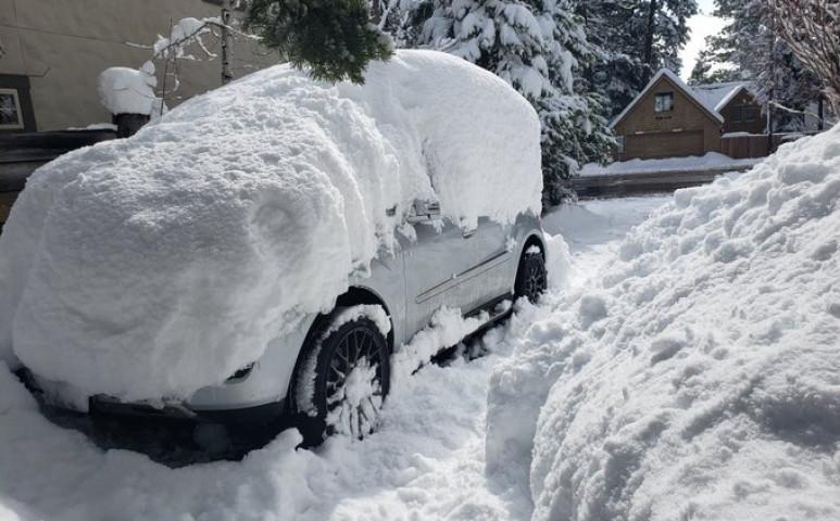 Kaliforniában 1,8 méternyi hóval kell számolni a napokban