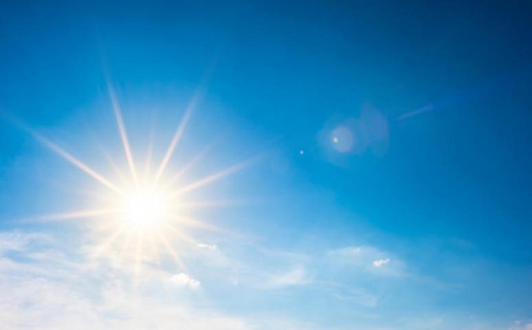 Végre egy napelem a kocsira, amivel nem lesz katlan az autóban sem