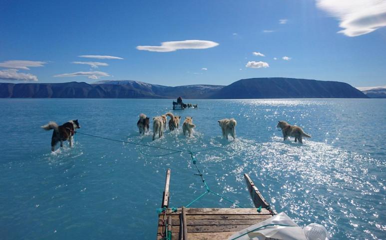 Gyorsul a sarki jég olvadása