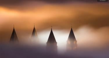 Esti ködben a bazilika