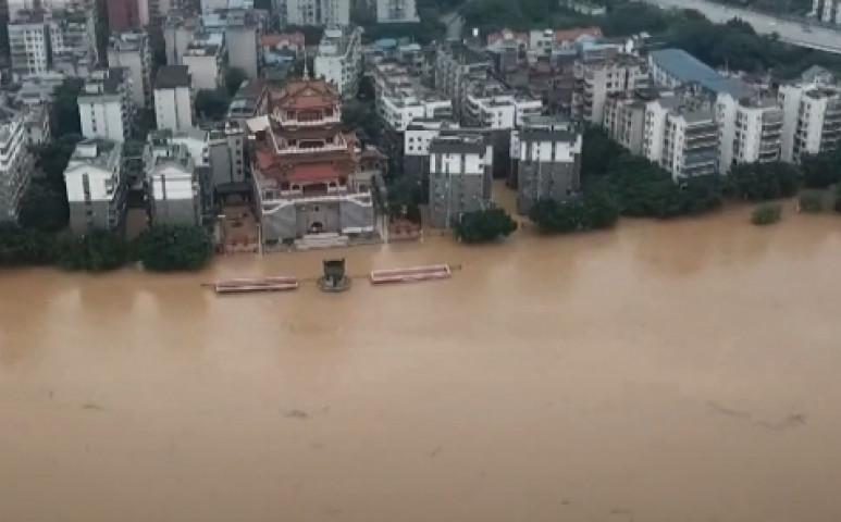 Brutális méreteket ölt az áradás Kínában
