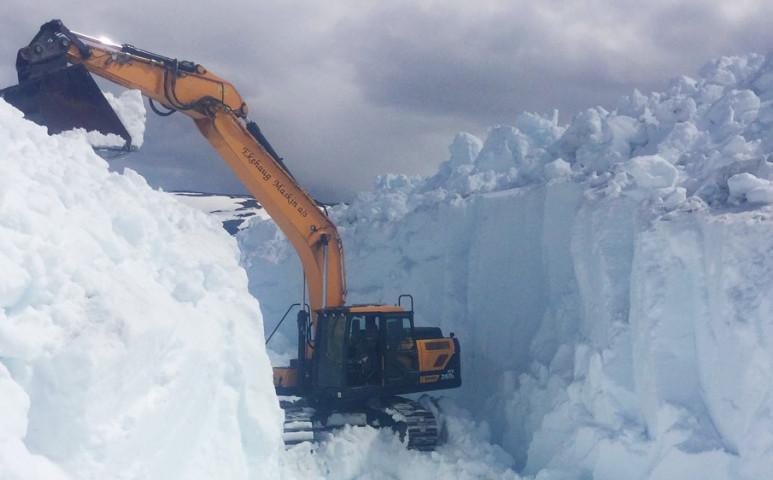 10 méternyi hóval küszködnek Dél-Norvégiában