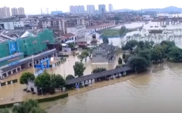 38 millió ember élőhelyét öntötte el a víz Kínában