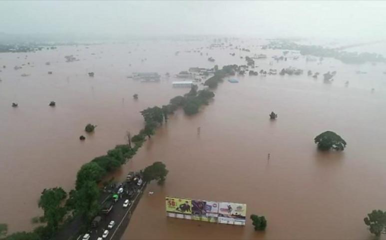 Közel 800 áldozatot követelt már a monszun Indiában