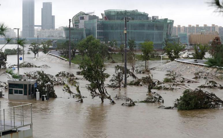 Mindkét Koreát megviselte a monszun, ami rekordhosszú idén