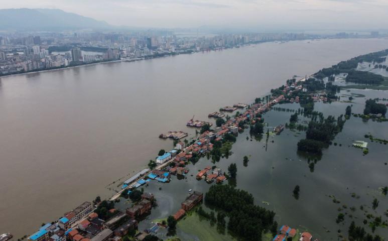Kínában is tombol a monszun - 219 halálos áldozatuk van már most