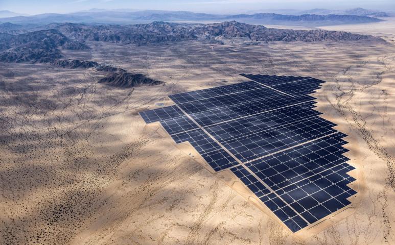 Gondok vannak a sivatagi napelemekkel