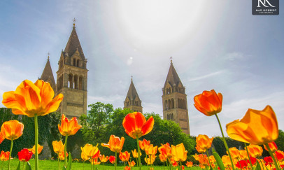 Ragyogó napsütésben a bazilika