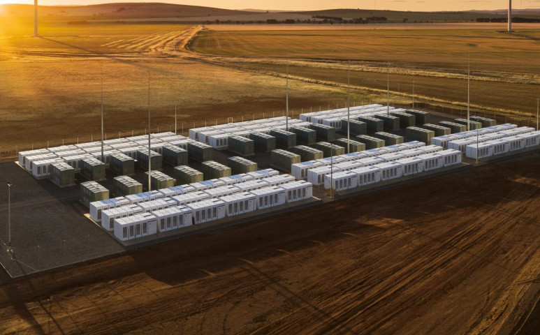Elon Musk akkumulátorai jobban teljesítenek, mint az várták