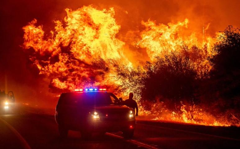 Minden narancsszínben úszik a tűz miatt Kaliforniában és a környező régiókban
