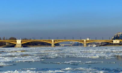 Zajlik a jég a Dunán