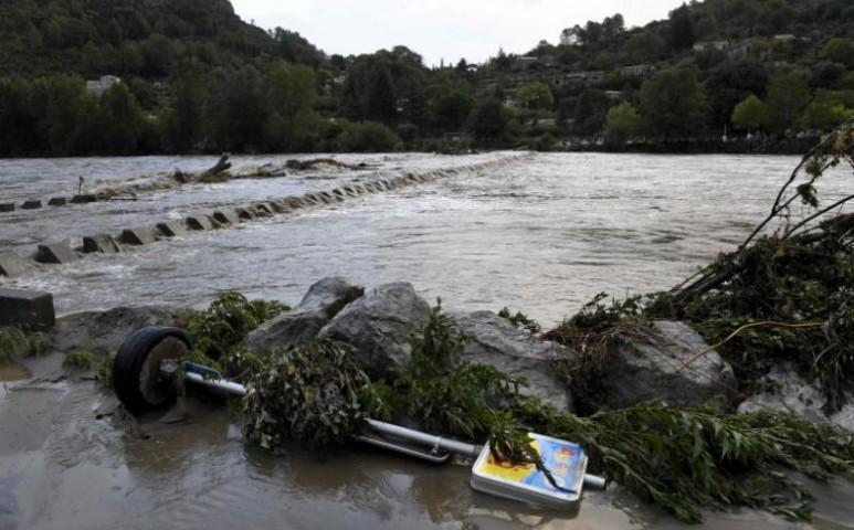 2 halálos áldozata is van a franciáknál bekövetkezett özönvíznek