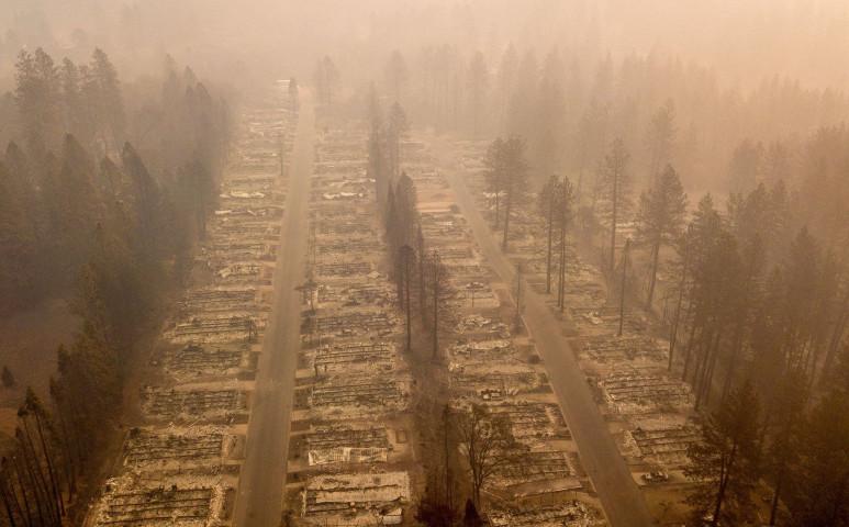 Kaliforniában vége a tűzvésznek, jöhet az árvíz...