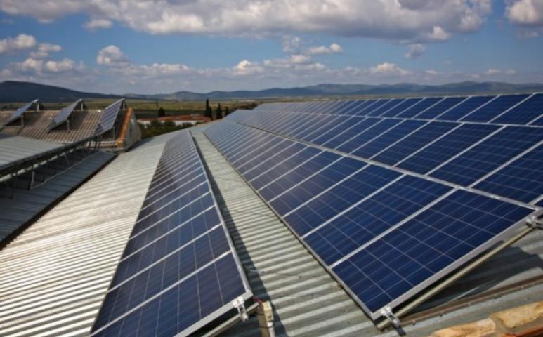 Végre nő a napelemek száma, de sajnos a fogyasztás is