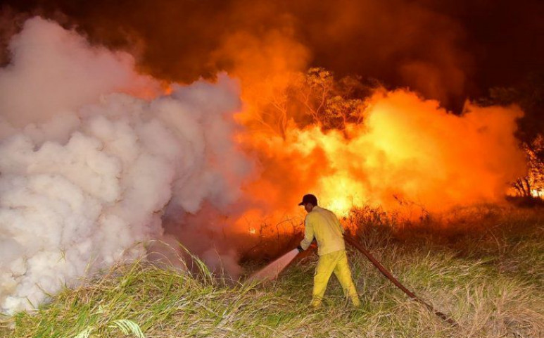 Paraguayban szükségállapotot hirdettek a fékezhetetlen tűzvész miatt