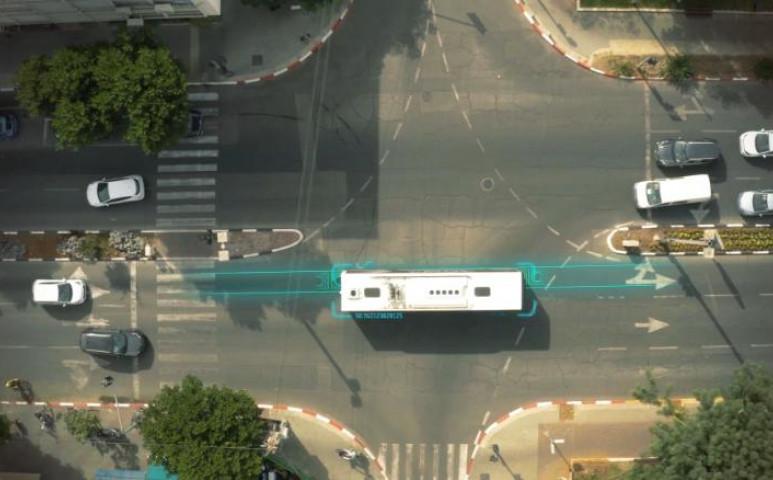 Tel-Avivban akksi lesz az úttestből
