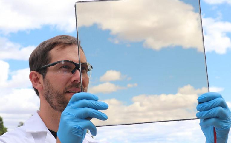 Átlátszó napelem, mely tényleg használható!