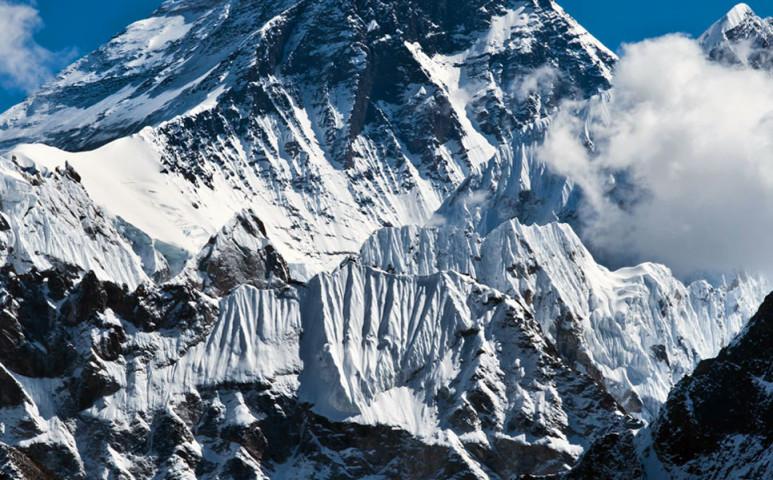 A világ legmagasabb szeméttelepe - már az Everest halálzónája is csupa mikroműanyag