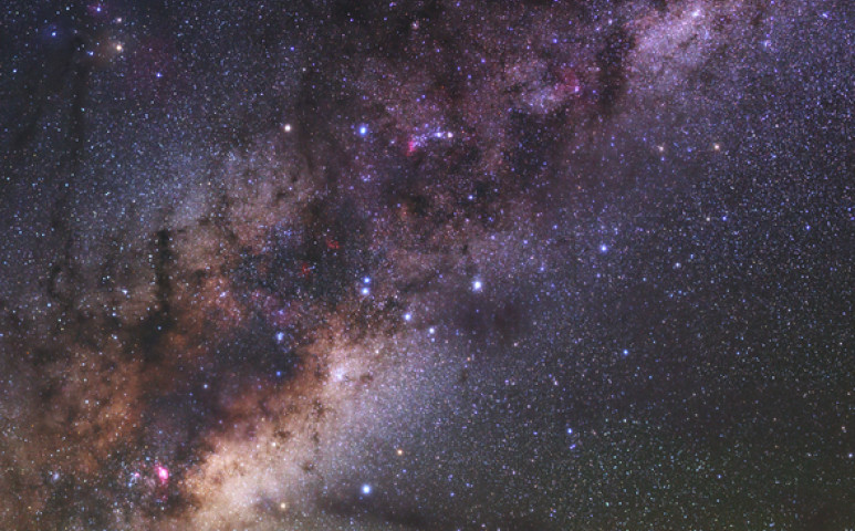 2000 fényévvel közelebb vagyunk egy fekete lyukhoz, mint hittük