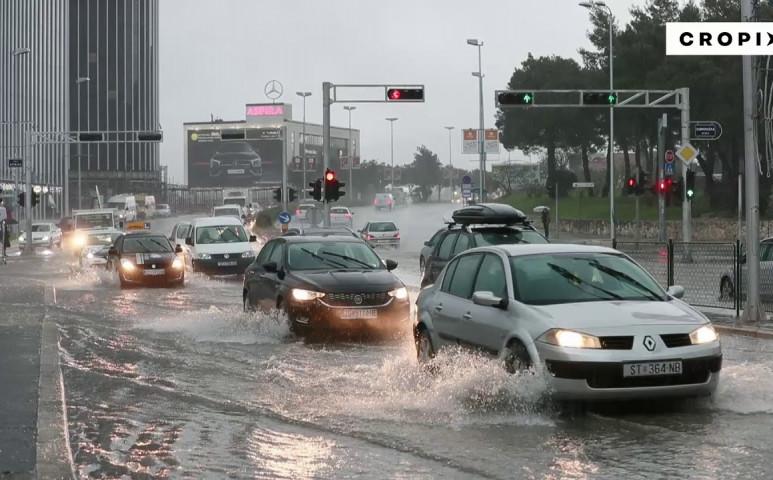 Horvátországban rombolt az eső - Split víz alatt