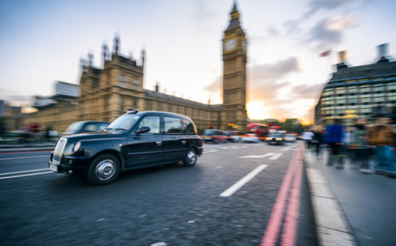 Az Egyesült Királyság felveszi a kesztyűt- többet vállal a co2 kibocsátás csökkentése terén